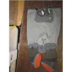 SIMMS waders, men`s large, returned