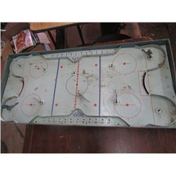 PRO Hockey game board, missing players, as is