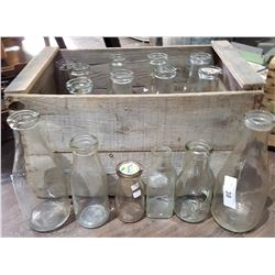 VINTAGE WOODEN CRATE W/18 MILK BOTTLES