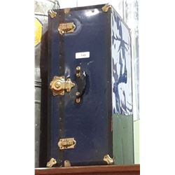 VINTAGE METAL SMALL TRUNK