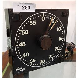 VINTAGE GRAY LAB MODEL 300 DARKROOM TIMER