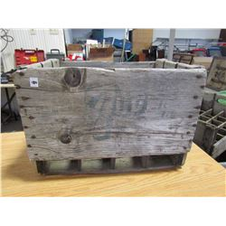 Wooden crate holds 12 bottles