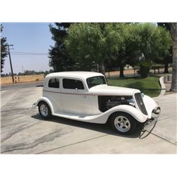1933 Ford Vicky 2 door sedan custom