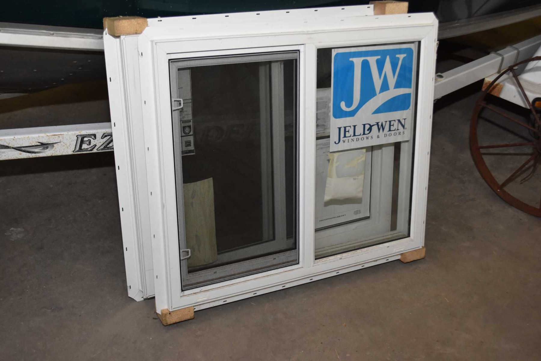 jeld wen window screens image pair of jeldwen vinyl windows with sliders and screens measuring 30
