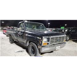 1986 - FORD F-150 // REBUILT SALVAGE
