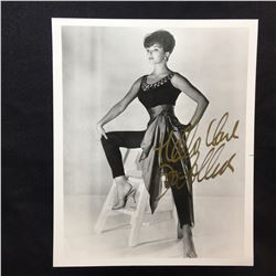 JOAN COLLINS SIGNED 8'' X 10'' PHOTOGRAPH