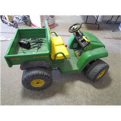 JD Child's Gator, 12V, 2 spd, Reverse 4x2, w/charger & dump box, guaranteed to work