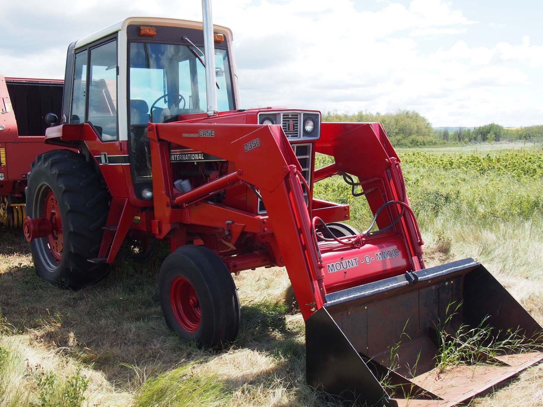 Image 1 : 1981 International 1086 Tractor 6075 Hours. S#2610193053367, 2350  Case ...