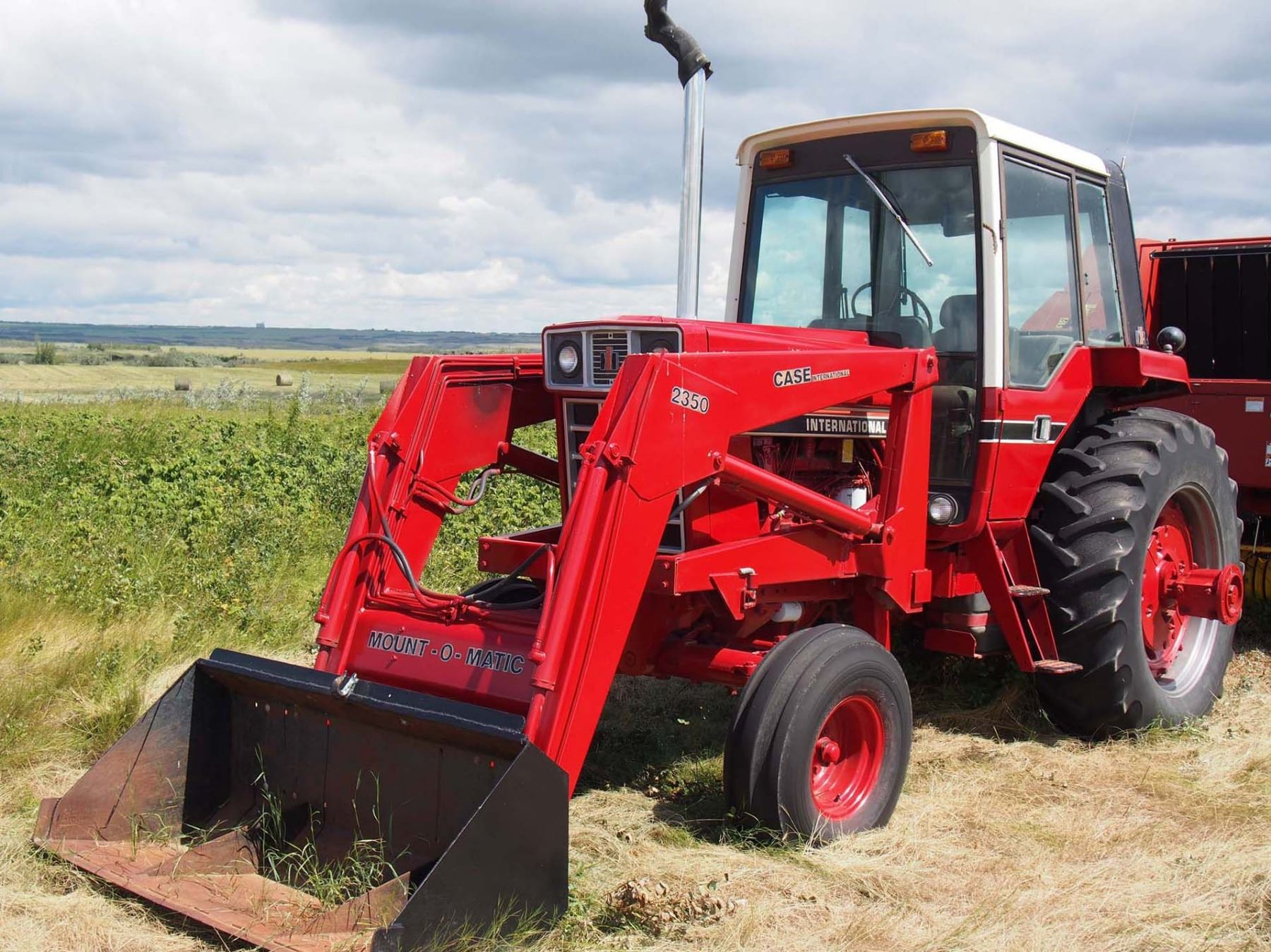 ... Image 2 : 1981 International 1086 Tractor 6075 Hours. S#2610193053367,  2350 Case ...