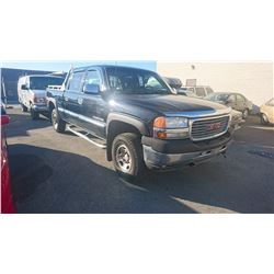 2001 GMC SIERRA 2500HD, CREWCAB, BLACK, GAS, AUTOMATIC, VIN#1GTHK23U71F140360, 295,807KMS,