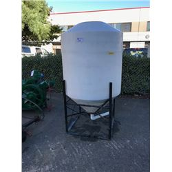 BAR 300 GALLON WHITE PLASTIC STORAGE TANK ON STAND