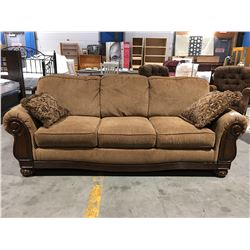 GOLDEN BROWN UPHOLSTERED 3 SEATER TRADITIONAL SOFA WITH 2 THROW CUSHIONS