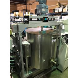 GARLANO INDUSTRIAL STAINLESS STEEL TILTABLE STEAM KETTLE WITH SEW-EURODRIVE MOTOR AND AGITATOR