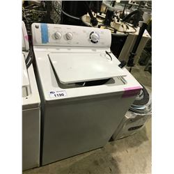 WHITE GE TOP LOAD WASHING MACHINE & CONTENTS