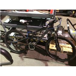 BLACK MOUNTAIN BIKE WITH SUSPENSION AND DISC BRAKES