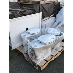 PALLET OF ASSORTED TOILETS AND BATHROOM IMPLEMENTS