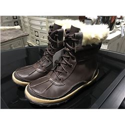 PAIR MERRELL SELECT DRY WOMENS SIZE 6.5 BROWN BOOTS