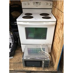 AMANA WHITE STOVE & KENMORE STAINLESS STEEL MICROWAVE OVEN