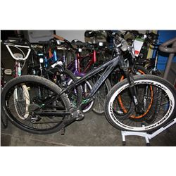 BLACK GIANT TALON 16 SPEED MOUNTAIN BIKE WITH XS FRAME AND DISC BRAKES