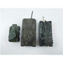 TOY MILITARY VEHICLES/TANKS