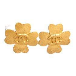 Chanel Matte Gold Hammered CC Clover Clip On Earrings 95P