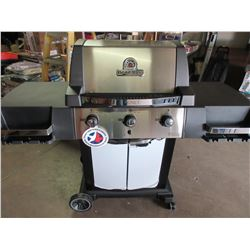 NEW BROIL KING BBQ Signet series 3 burner with Cover $ 589.00 in store