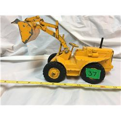 ERTL, CAST CATERPILLAR LOADER, PLAYED WITH