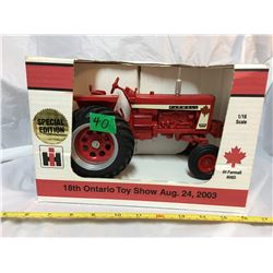 2003 TOY SHOW, IH FARMALL 806 TRACTOR, AS NEW