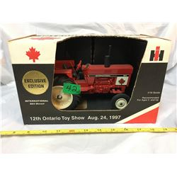 SCALE MODELS,1997TOY SHOW, IH 684 TRACTOR, AS NEW