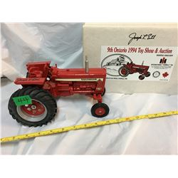 ERTL, SIGNED, 19194 TOY SHOW IH FARMALL 756, AS NEW