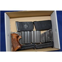 Box Lot : 2 Beretta . 9 MM Cal S. A. Mags Box Lot : Two Beretta . 9 MM Cal Semi Auto Mags -  Lee Enf