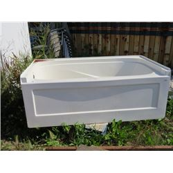 FIBRE GLASS BATH TUB