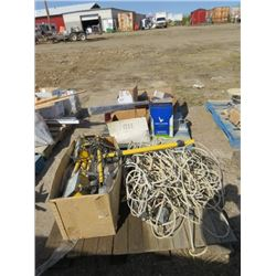 2 PALLETS, WIRE, VENTS, LARGE SCREW