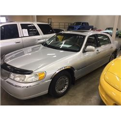 NO RESERVE 2000 LINCOLN CARTIER TOWN CAR
