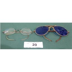 2 PAIRS OF VINTAGE GLASSES