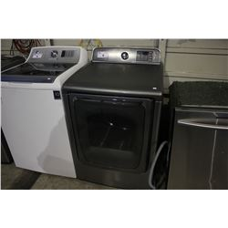STAINLESS STEEL SAMSUNG FRONT LOADING DRYER WITH STEAM MOISTURE SENSOR