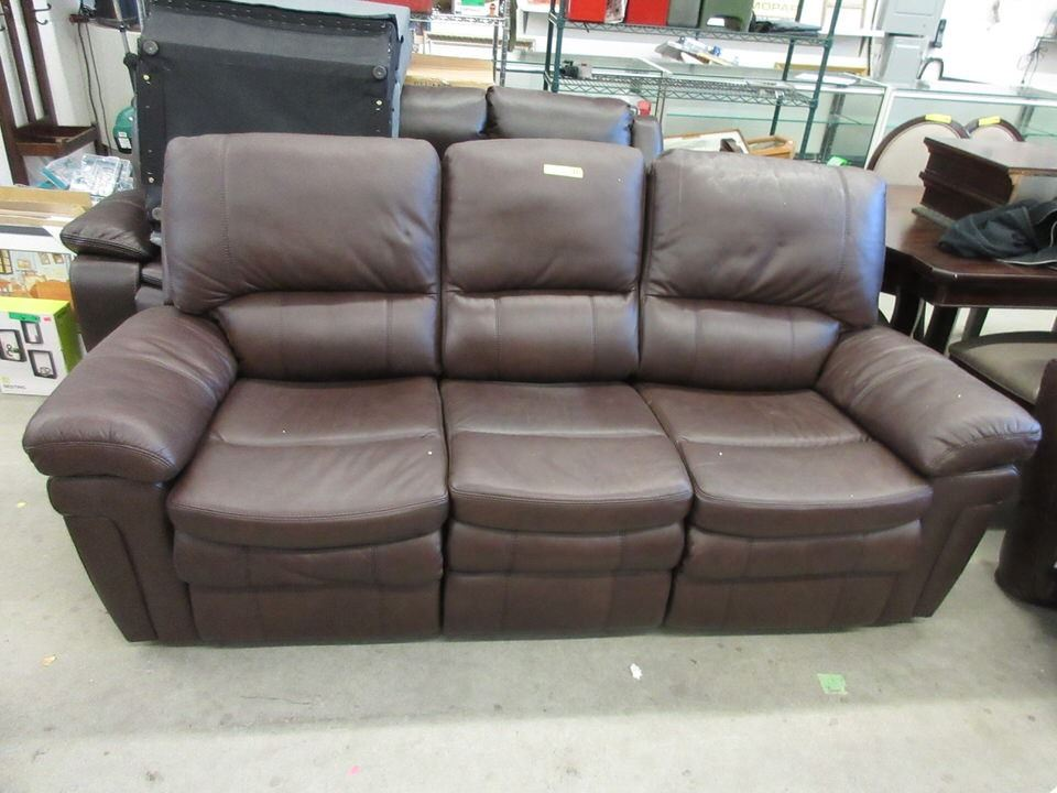 Image 1 : New Brown Amax Leather 7 Foot Reclining Sofa