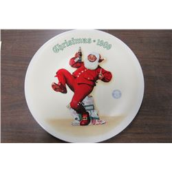 """JOLLY OLD ST. NICK"" KNOWLES COLLECTOR PLATE"