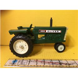 OLIVER 1/16 1850 60s TRACTOR - REPAINTED