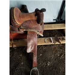 ADULT SIZE SADDLE NICE SCROLL WORK