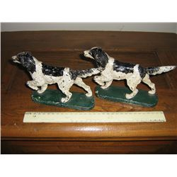 2 CAST IRON DOGS