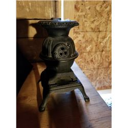 CAST IRON POT BELLIED STOVE