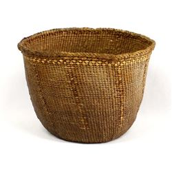 Vintage Native American Makah Basket