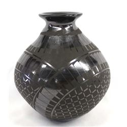 Mata Ortiz Black on Black Jar by Benjamin Soto