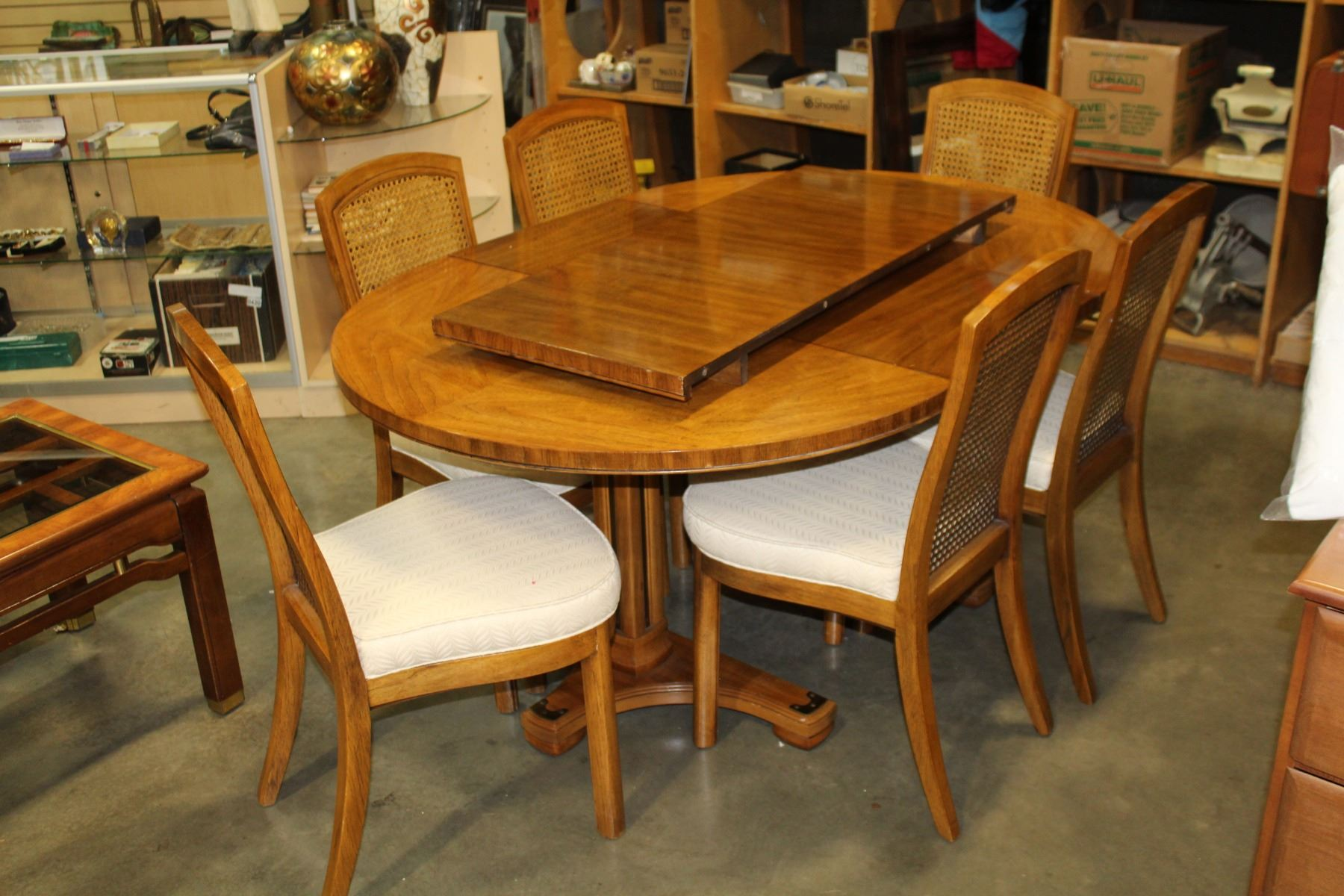 Round Walnut Dining Table W 2 Leafs And 6 Chairs