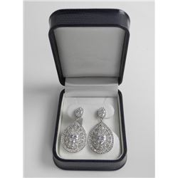 Ladies .925 Silver Swarovski Element Earrings.