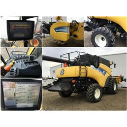 UNRESERVED 2008 NEW HOLLAND CR 9070 ROTARY COMBINE WITH NH 14' 76C