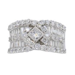 18KT White Gold 1.75ctw Diamond Ring
