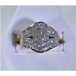 10kt GOLD DIAMOND RING  SIZE 8