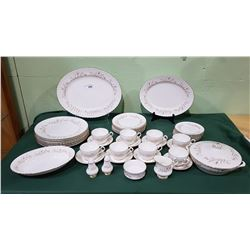 "48 PC SET PARAGON ""LAFAYETTE"" CHINA"
